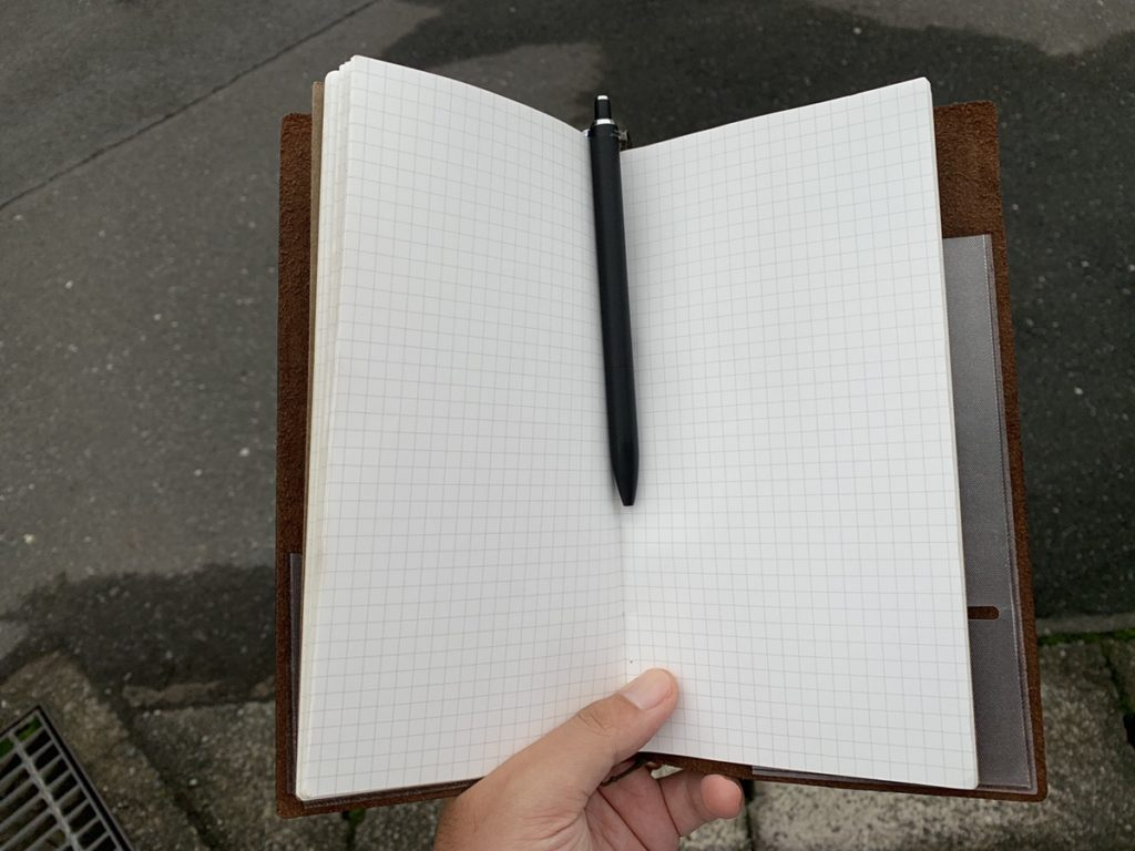 トラベラーズノートをシンプルに使おう!ノートとして活用する美学