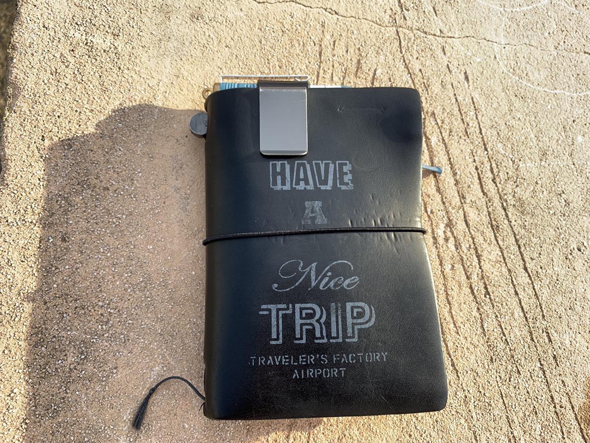 更新をサボってもトラベラーズノートは毎日使ってます!エアポートパスポートサイズ